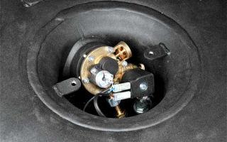 Как перекрывается газовый баллон в машине?